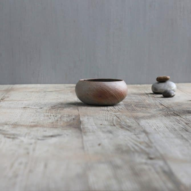 zen design SHELL BOWL. clay & wood studio