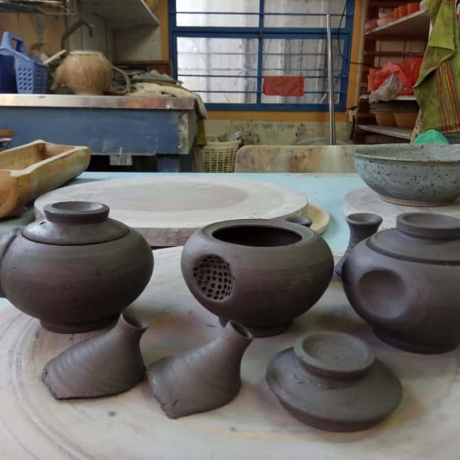 PALM-SIZED TEAPOT. clay & wood studio